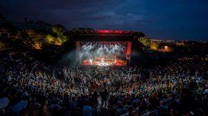 Photographie du festival des Nuits de fourvière avec the blaze, eddy de pretto et clara luciani